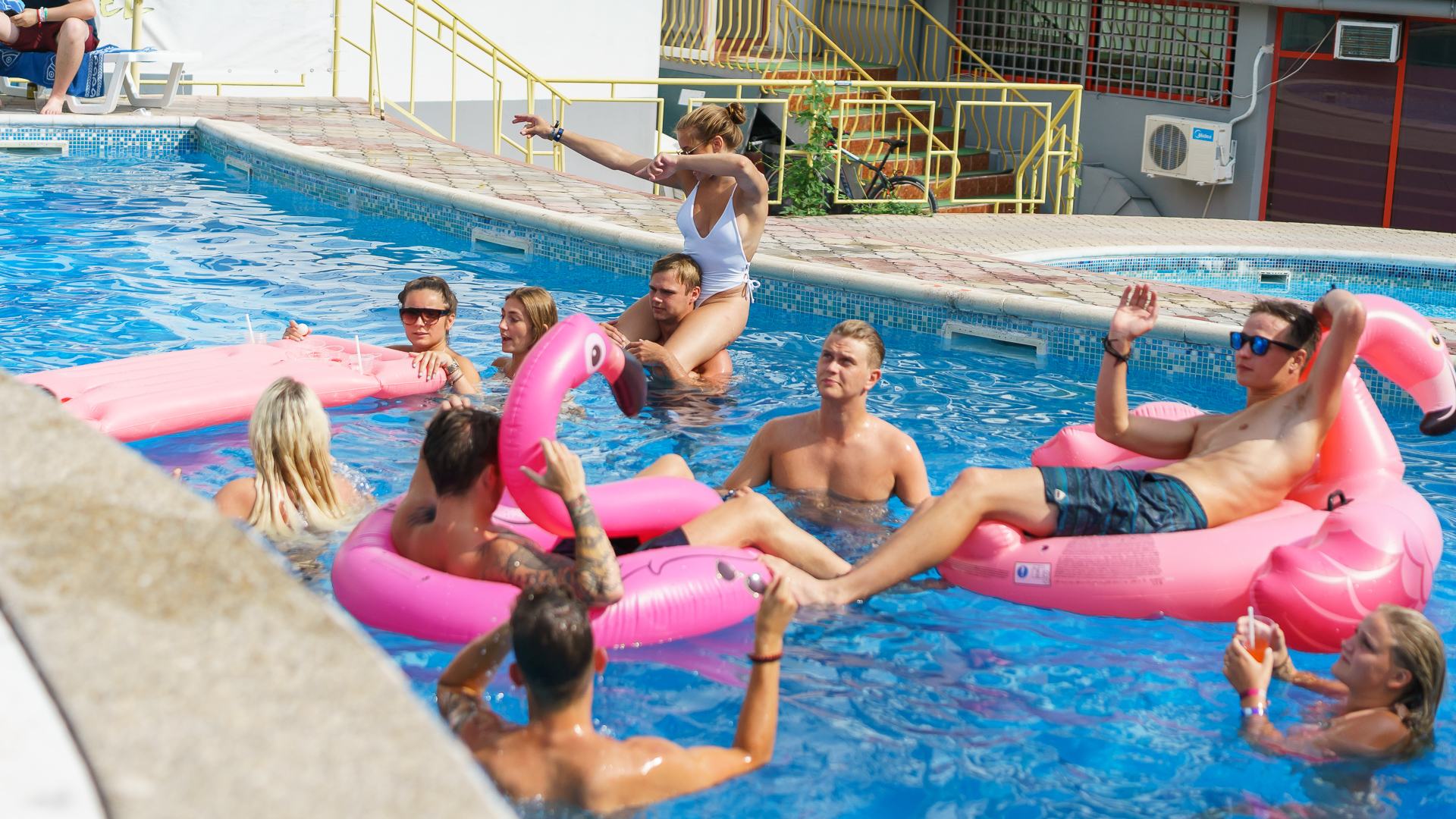 Poolparty I Golden Sands